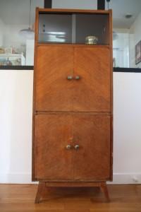 petite armoire buffet années 50 pieds compas mobilier vintage brocante Rouge Garden