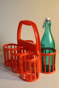 porte bouteille plastique vintage Rouge Garden