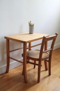 table bureau enfant bois baumann mobilier vintage Rouge Garden