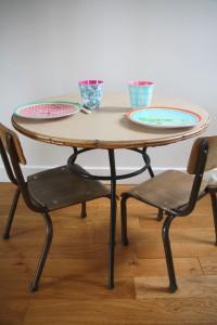 table ronde rotin et métal Rouge Garden