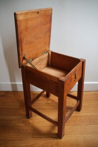 tabouret cirage cireur 50 en bois mobilier vintage Rouge Garden