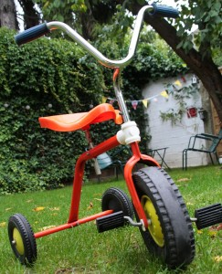 tricycle 1970 jouet vintage Rouge Garden