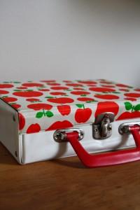 valisette pomme rouge Années 70 Rouge Garden